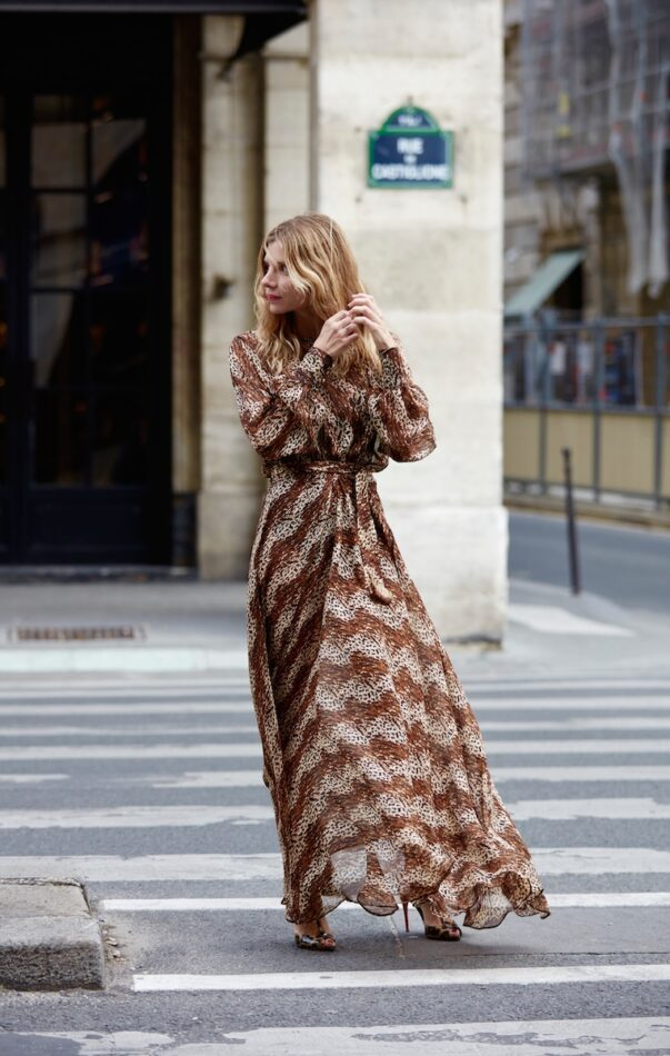 Celia Dragouni 70's beauty dress